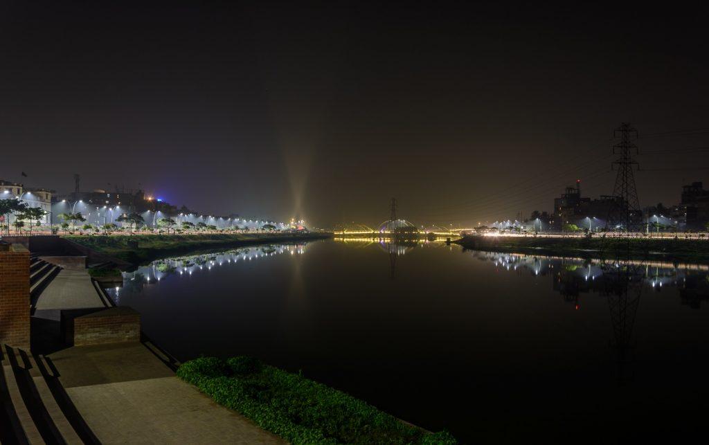 Hatirjheel at Night Photographed by Francis Mridha